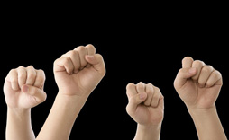 一个表示鼓励的手势、一次表示赞许的微笑