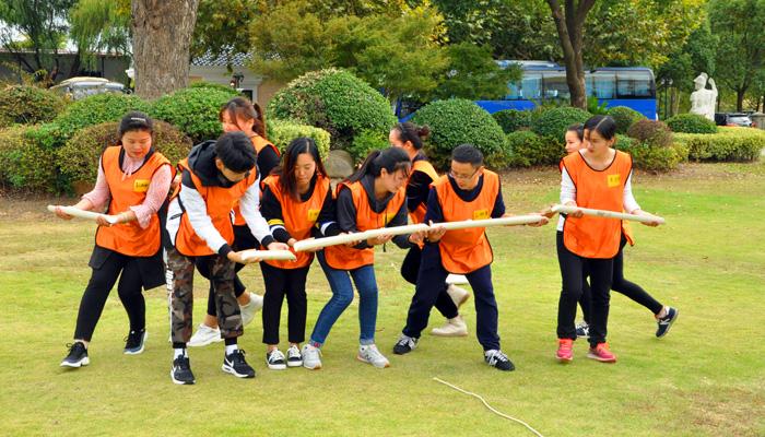 拓展训练培养个人奉献精神|拓展培训,上海拓展培训,培训,企业培训,拓展训练,个人,团体,奉献