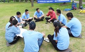 上海拓展训练的教练要掌握哪些技巧来引导学员?