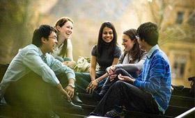 拓展训练中有帮助沟通交流的项目吗?